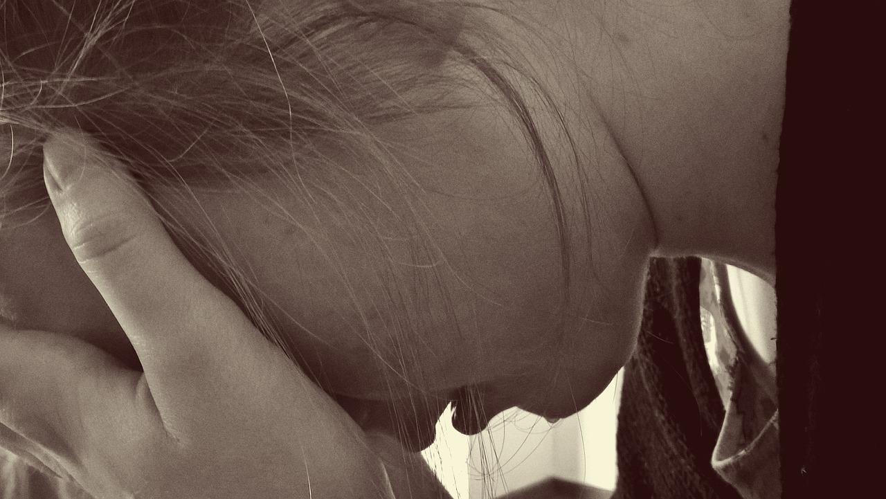 girl-sad